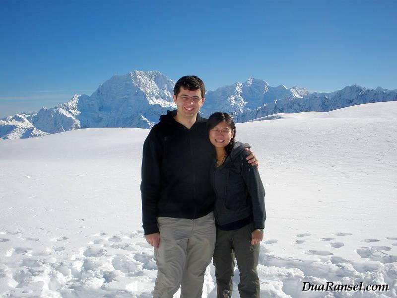 Foto Dina&Ryan di Pegunungan Alpen Selatan Gunung Cook, Selandia Baru (diambil dari www.duaransel.com)